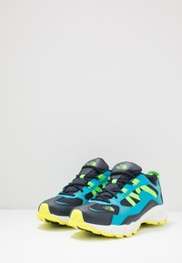 The North Face - ARCHIVE TRAIL KUNA CREST - Trainers - urban navy/atomic blue - 2