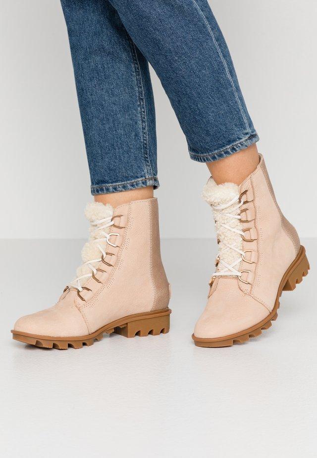 PHOENIX SHORT LACE LUX - Lace-up ankle boots - natural tan
