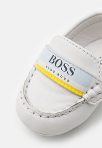 BOSS Kidswear - First shoes - white