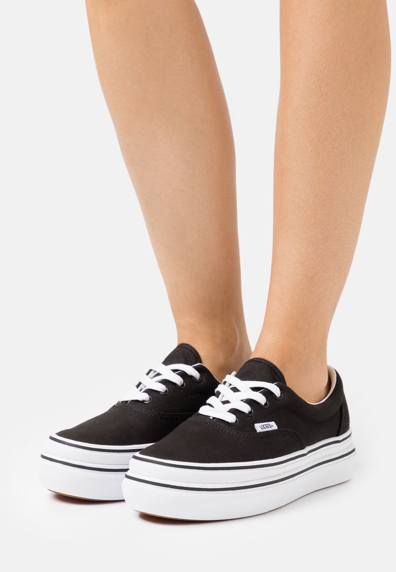 Vans - SUPER COMFYCUSH ERA - Sneakersy niskie - black/true white