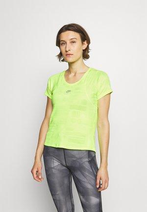 AIR - T-shirt imprimé - volt/reflective silver