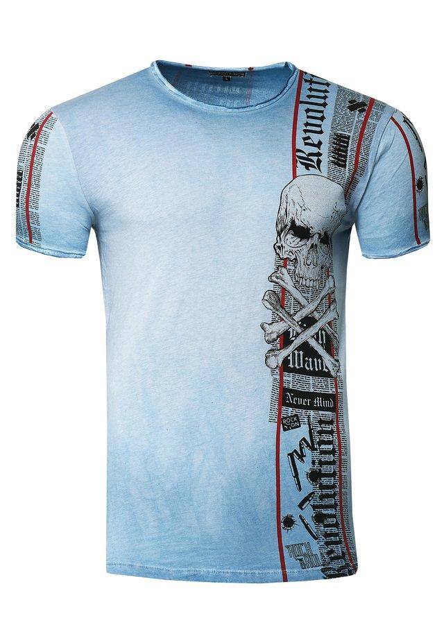 IM VERWASCHENEN LOOK - Print T-shirt - blau