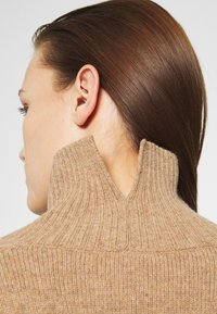ARKET - TURTLENECK JUMPER - Jumper - beige dark - 3