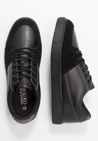 Versace Jeans Couture - FONDO CASSETTA - Zapatillas - nero - 1