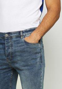 Brave Soul - MADISONCHARC - Jeans Tapered Fit - light blue - 4