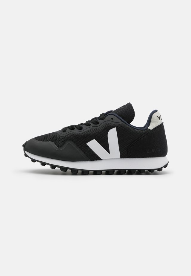 SDU - Sneakers laag - black/natural