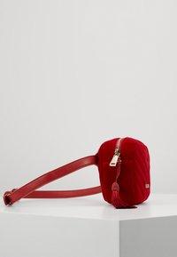 Valentino Bags - CARILLON - Rumpetaske - rosso - 2