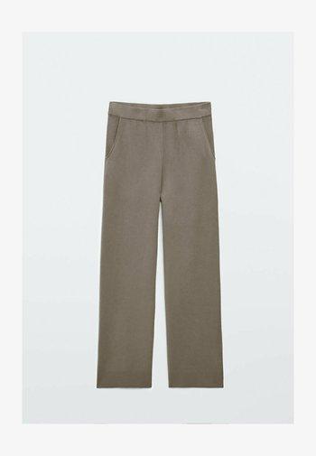 MIT SAUM  - Trousers - grey