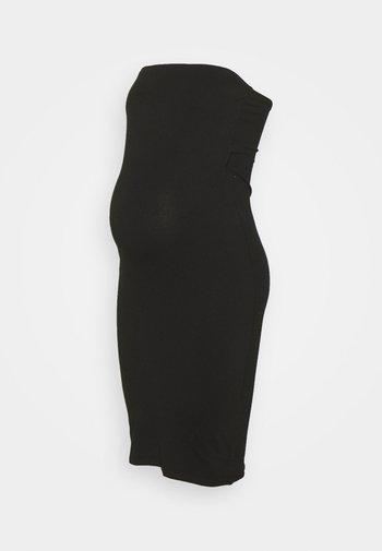 MATERNITY STRAPPLESS DRESS - Žerzejové šaty - black