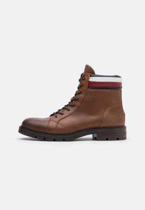 ELEVATED COLLAR BOOT - Lace-up ankle boots - natural cognac