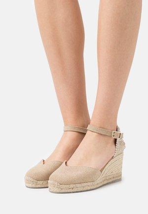 CHIARITA 6 - Platform sandals - desierto