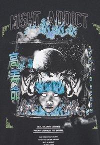 Night Addict - Print T-shirt - black - 5