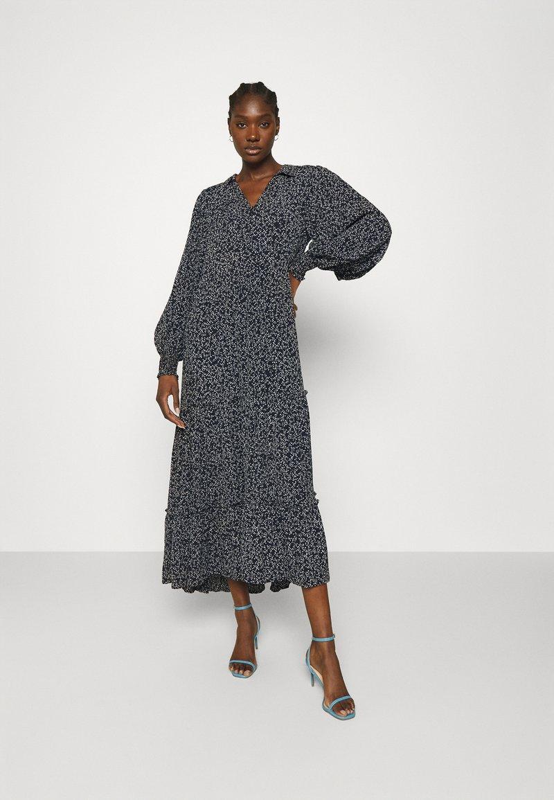 JUST FEMALE - COLOMBO MAXI DRESS - Maxi dress - noise