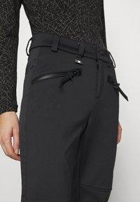 Superdry - SLALOM SLIM - Zimní kalhoty - black - 5