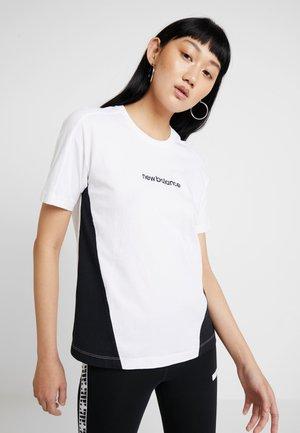 ATHLETICS CLASSIC LAYERING - Camiseta estampada - white