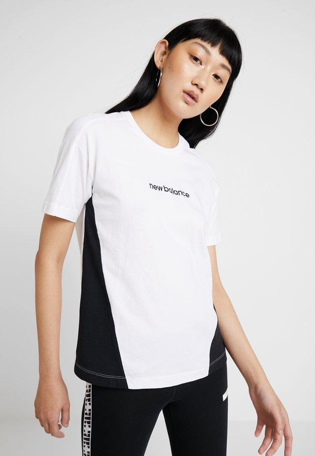 ATHLETICS CLASSIC LAYERING - T-shirt imprimé - white