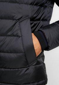 Tommy Hilfiger - Lehká bunda - black - 4