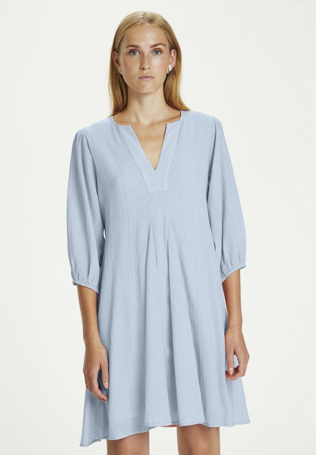 GRANTKB - Korte jurk - placid blue