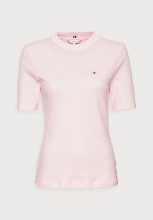 SLIM TOP - Jednoduché triko - pink