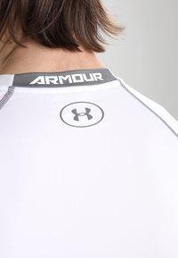 Under Armour - COMP - Sportshirt - weiß/grau - 6