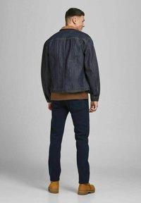 Jack & Jones - REGULAR FIT JEANS CLARK ORIGINAL AM 166 LID - Jeans straight leg - blue denim - 2