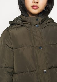 Dorothy Perkins Petite - HOODED PADDED  - Winter jacket - khaki - 5