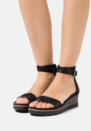 TAPASITA - Platform sandals - black