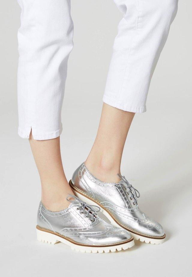 Nauhakengät - silver