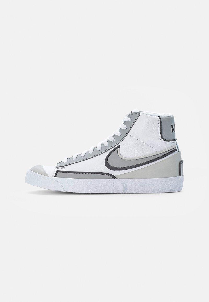 Nike Sportswear - BLAZER MID '77 INFINITE - Korkeavartiset tennarit - white/smoke grey-iron grey-grey fog-white-black