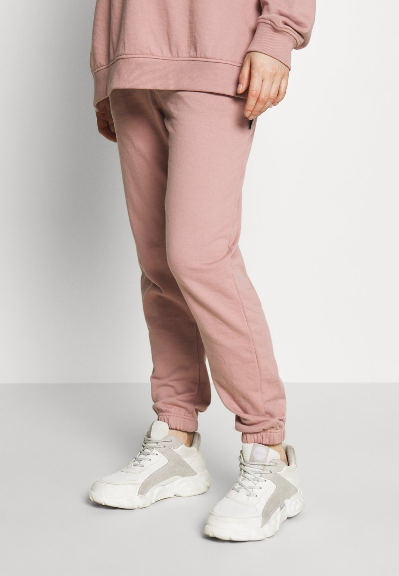 Missguided Maternity - Tracksuit bottoms - rose pink