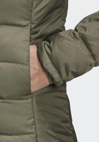 adidas Performance - ESSENTIALS PRIMEGREEN OUTDOOR DOWN - Down jacket - green - 6