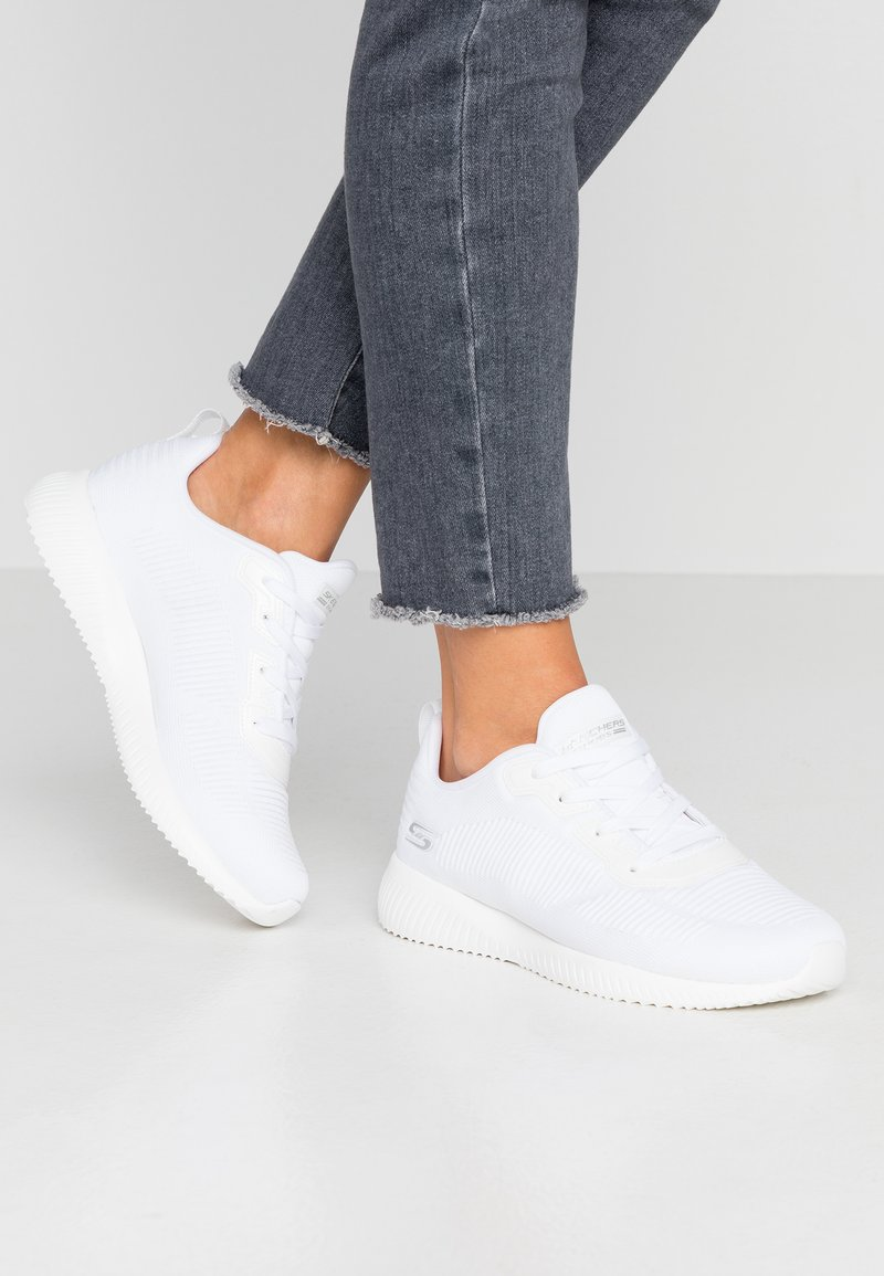 Skechers Wide Fit - BOBS SQUAD - Zapatillas - white