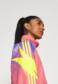 adidas Originals - TRACK - Summer jacket - hazy rose/acid yellow/joy purple - 5