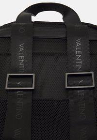 Valentino Bags - ANAKIN BACKPACK - Sac à dos - nero - 4