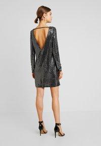 Gina Tricot - KERRA GLITTER DRESS - Cocktailkjoler / festkjoler - black - 3