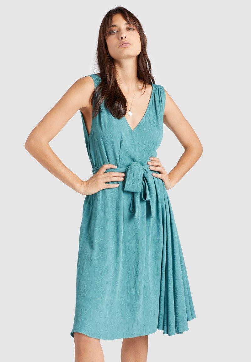 khujo - SPRING - Vestido informal - blau