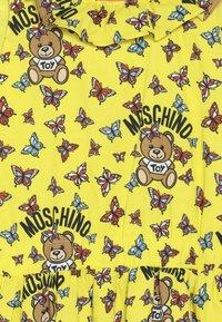 MOSCHINO - DRESS - Denní šaty - yellow - 3