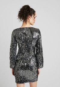 Vero Moda - VMLABARON SEQUEINS DRESS - Juhlamekko - silver - 2
