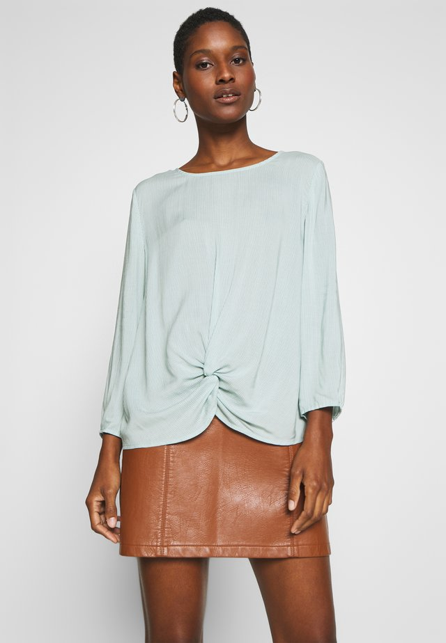 STRIPED BLOUSE WITH KNOT DETAIL - Bluzka - eucalyptus