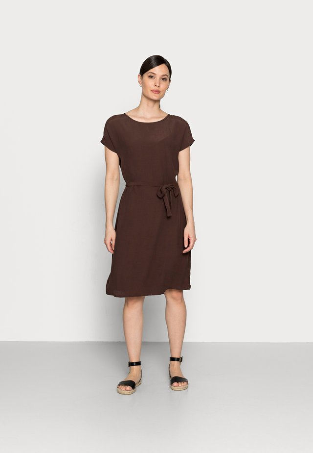 SHORTSLEEVE DRESS - Vestito estivo - espresso