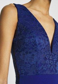 WAL G. - SLEEVLESS VNECK DRESS WITH SIDES - Společenské šaty - cobalt blue - 5