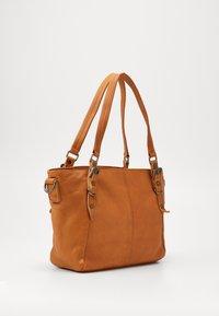 FREDsBRUDER - CHIRPY - Handbag - light camel - 1
