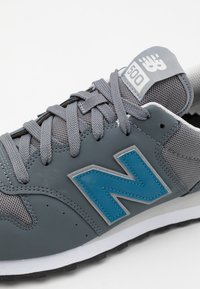 New Balance - GM500 - Matalavartiset tennarit - grey - 5