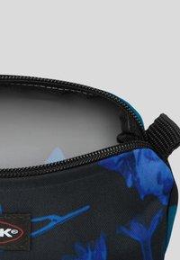 Eastpak - AUTHENTISCH - Kosmetiktasker - blue - 2