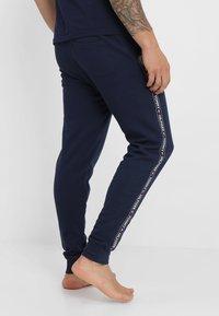 Tommy Hilfiger - TRACK PANT - Pyjama bottoms - blue - 2