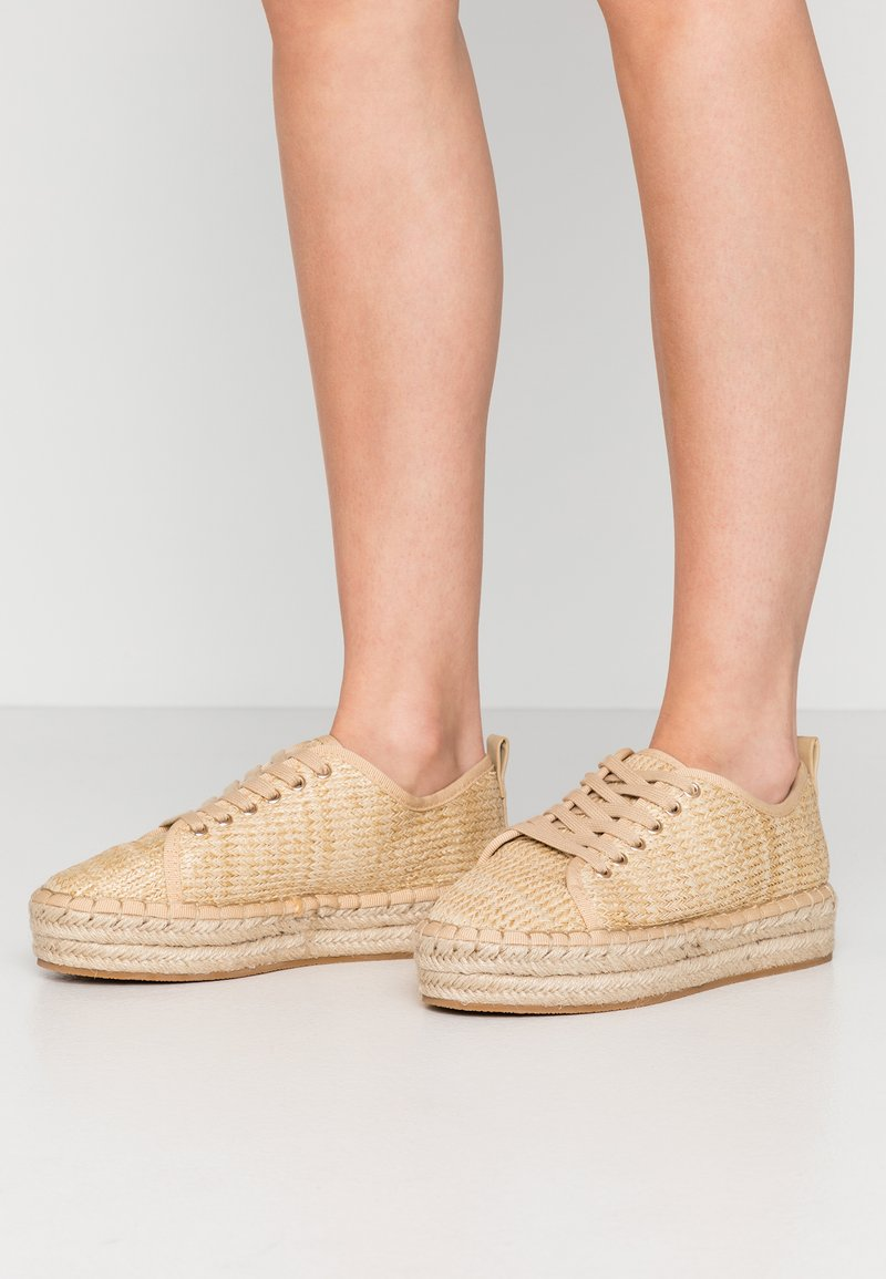 Miss Selfridge - TABAGO TRAINER - Espadrillas - natural
