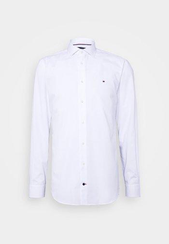 GER POPLIN CLASSIC - Kostymskjorta - white