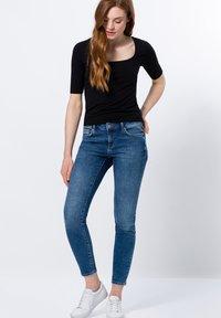 zero - Basic T-shirt - black - 3