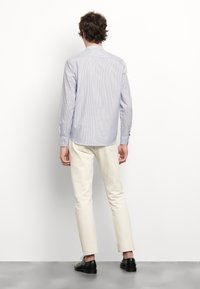 sandro - TUNIQUE CHEMISE CASUAL - Skjorter - bleu/blanc - 2
