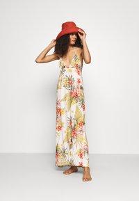 Banana Moon - MAXI DRESS LAHAINA - Beach accessory - white - 1